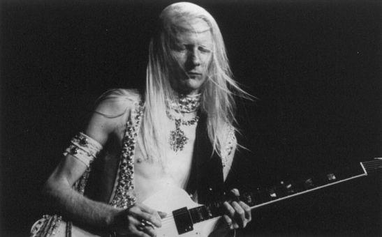 """לפני 71 שנים ועוד יומיים נולד בטקסס, ארה""""ב הגיטריסט ג'וני ווינטר- אבנר מורן על אגדת בלוז אמיתית"""