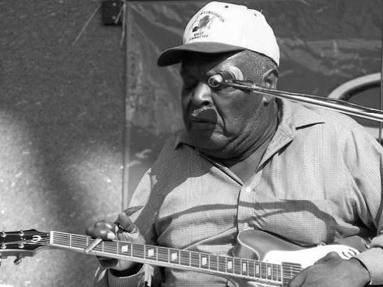 """פרק שישי של """"Monday Morning Blues""""- תום יוגב על סדאל דייוויס"""