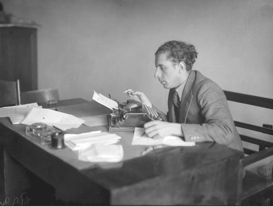 נתן אלתרמן כעורך לילה בעיתון