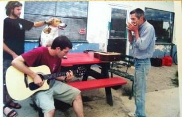 """אליאור, בראיין, הכלב ואני. שומקום, יוטה, ארה""""ב"""