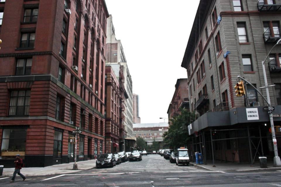 רחוב בברוקלין. כאן שומעים יותר רגאיי ופחות היפ הופ.